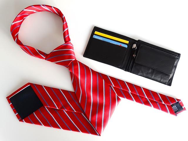 businessman-676359_640