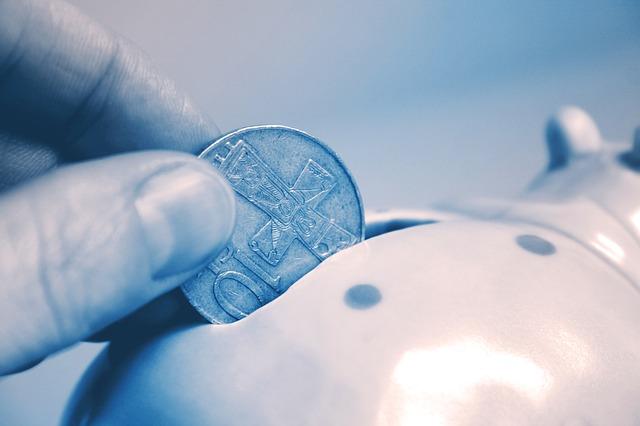 házení mincí do prasátka